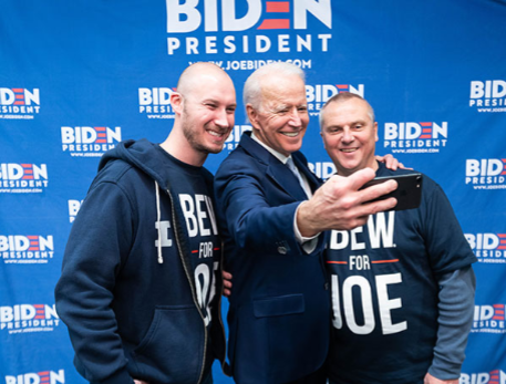 Biden-taking-a-selfie-with-Lonnie-and-Austin600